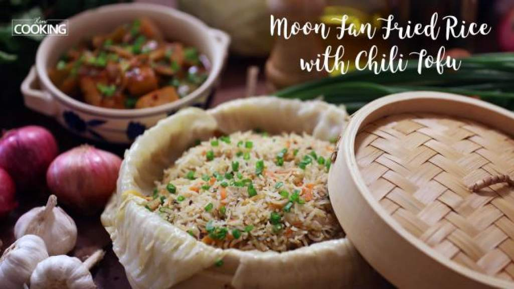 Moon Fan Fried Rice and Chili Tofu Gravy